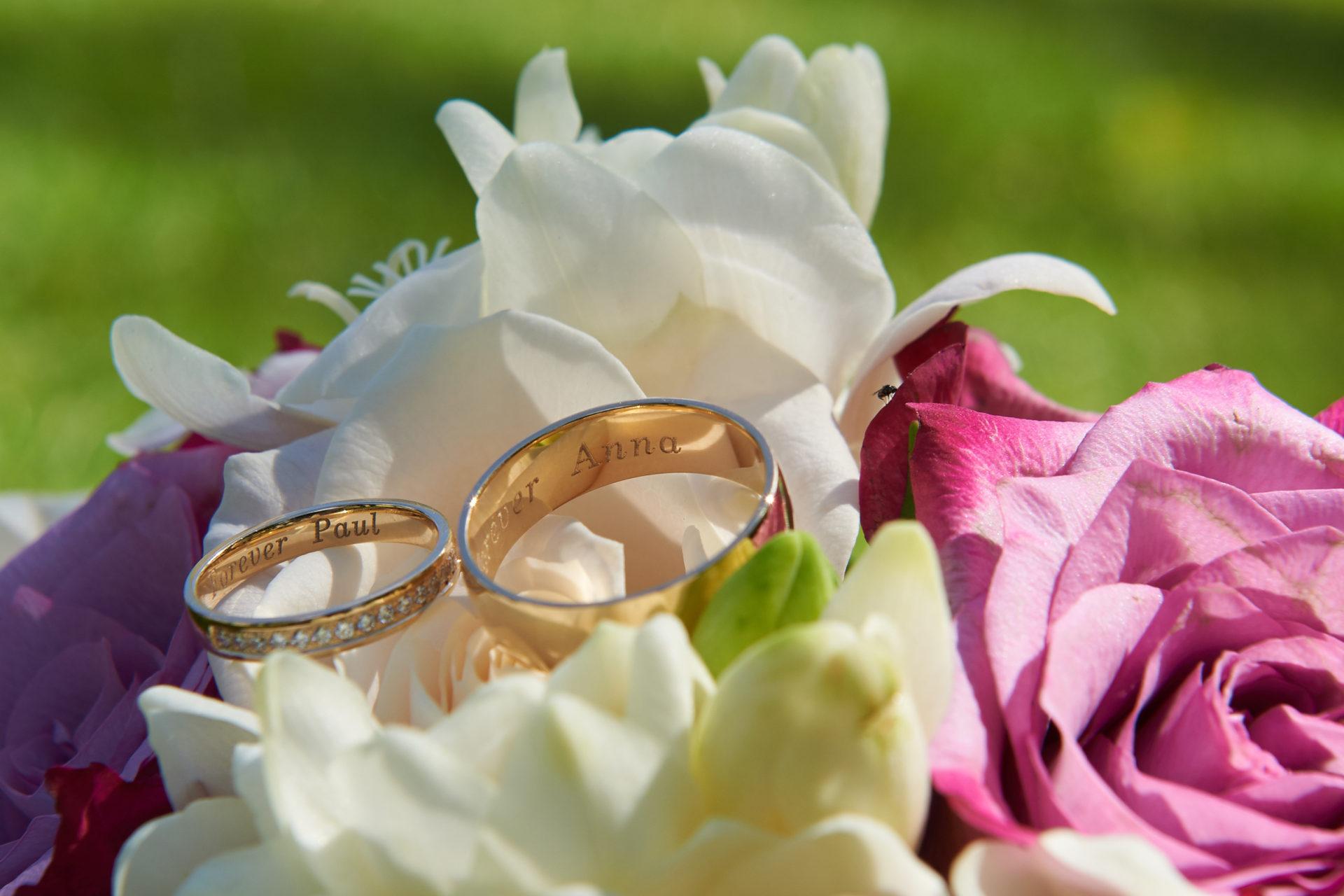 Svatba v zahrade