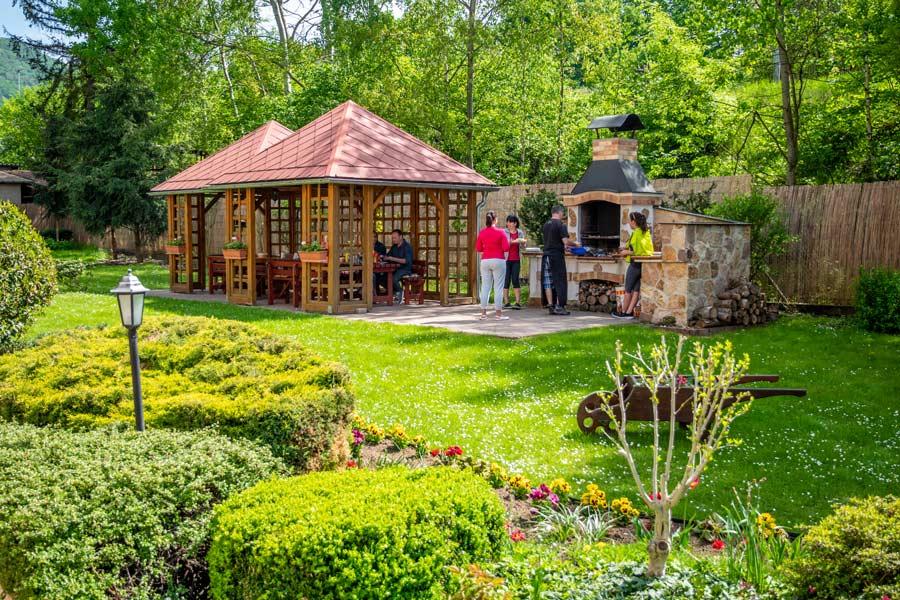 Prostory zahrada léto